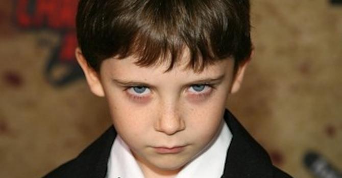 Niño inquietante Charlas de Sobremesa